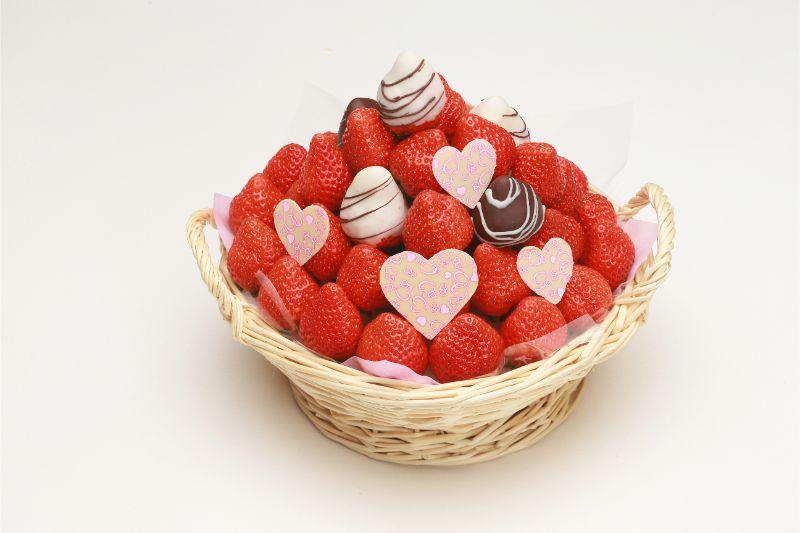 【ご予約商品】DXチョコ苺&ストロベリーバスケットのご紹介