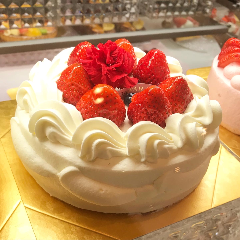 母の日に、感謝の気持ちを込めてケーキを贈りませんか♪